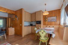 Apartment in Pozza di Fassa - Chalet Sot Crozè